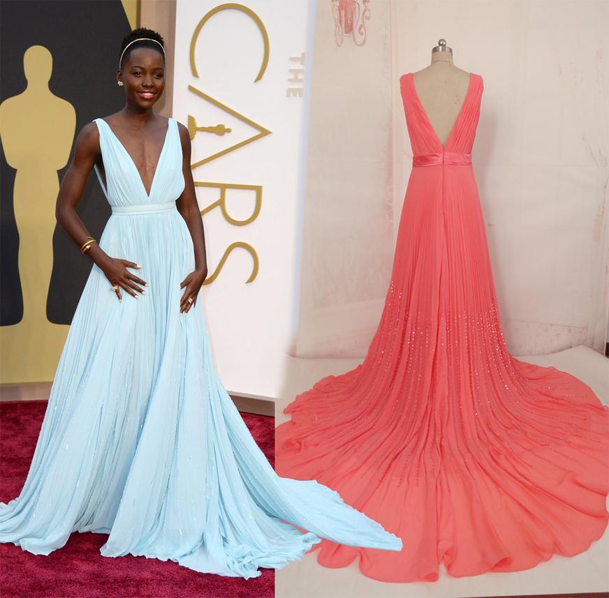 7347f72f8d26 abito semplice ma molto elegante a tratti seducente questa è la copia  disponibile anche nella stessa tinta   questo è il fantastico abito che  Lupita Nyong o ...